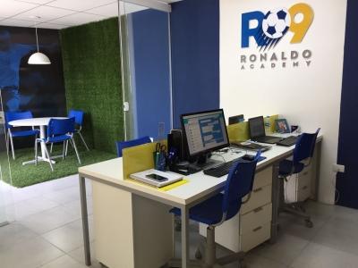 Vendo Academia de futebol do Ronaldo Fenômeno.