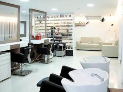 Salão de beleza com 8 anos / em funcionamento / 800 agendamentos por mês