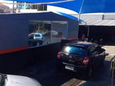 Estacionamento e lava Rápido