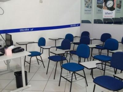Escola de ensino profissionalizante e idiomas
