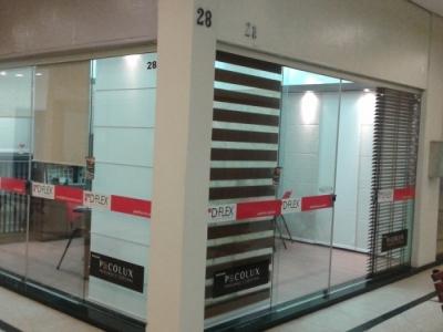 Vendo loja montada de persianas e pisos laminados.