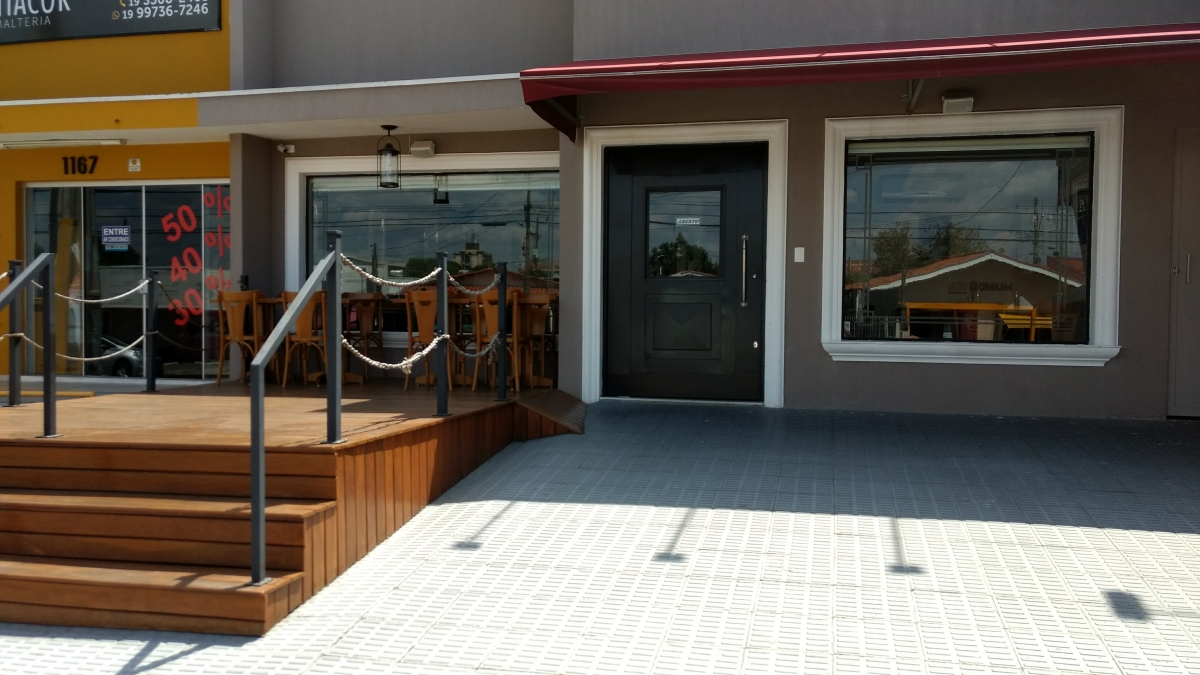 Bar e restaurante estilo PUB