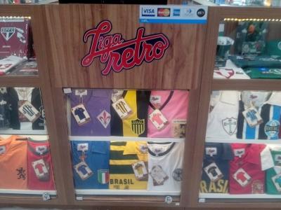 Quiosque da franquia LIGA RETRÔ - Camisas Retrô de times e seleções de futebol
