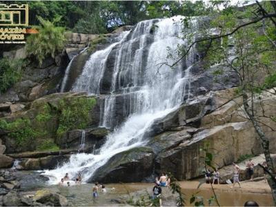 Terreno de grande extensão próximo a cachoeira