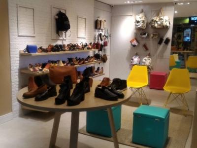 Loja de Calçados, Bolsas e acessórios femininos