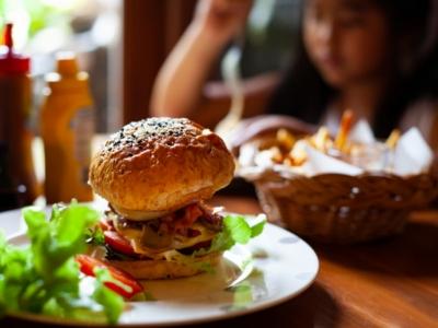 Vende-Se Restaurante,Hamburgueria e Bar 420 Mts²
