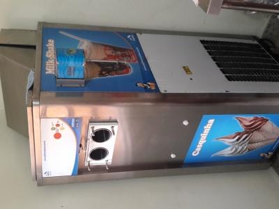 Máquina de sorvetes soft marca ARPIFRIO