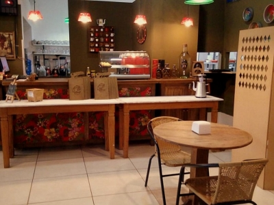 Vendo Restaurante/Cafeteria em Capitólio/MG