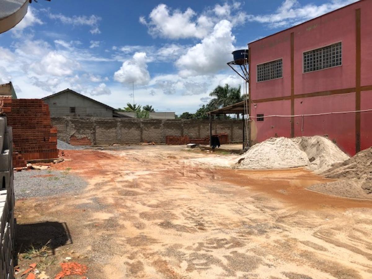 Vende-se Loja de Materiais de Construção