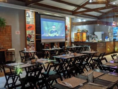 Gastrobar moderno e completo no Morumbi