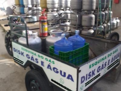 Vendo Comércio de Gás, Água e Acessórios.