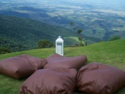 O Chalé mais alto do Brasil está à venda