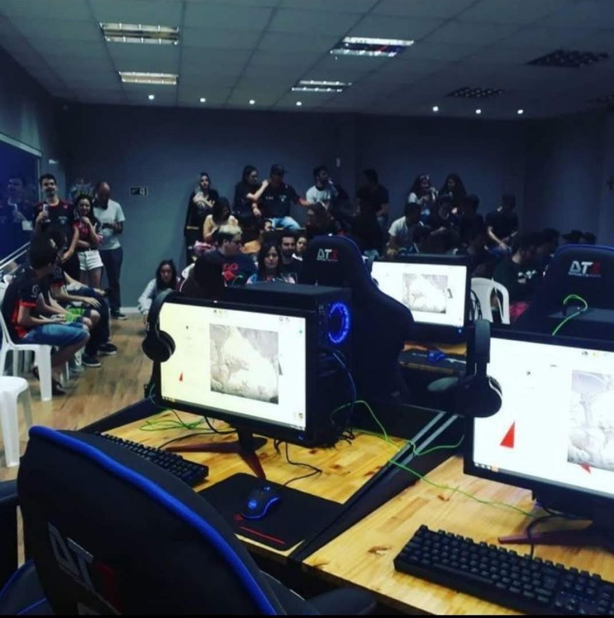 Vendo Arena de E-Sports, Game & Design