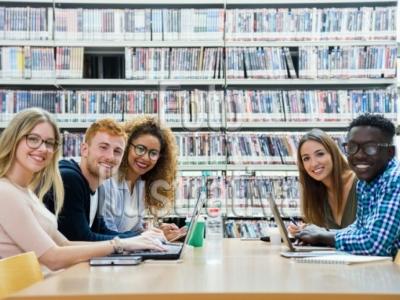 Vendo Escola de Idiomas e Informática