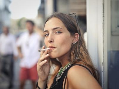 Vendo distribuidora de cigarros de palha artesanal