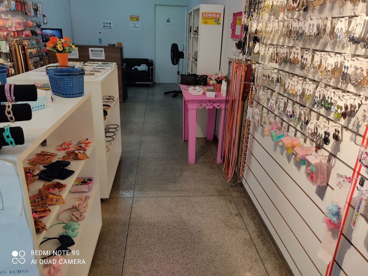 vendo Loja de Bijuteria Acessórios e Maquiagem