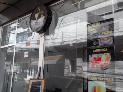 cafeteria e restaurante no centro da cidade