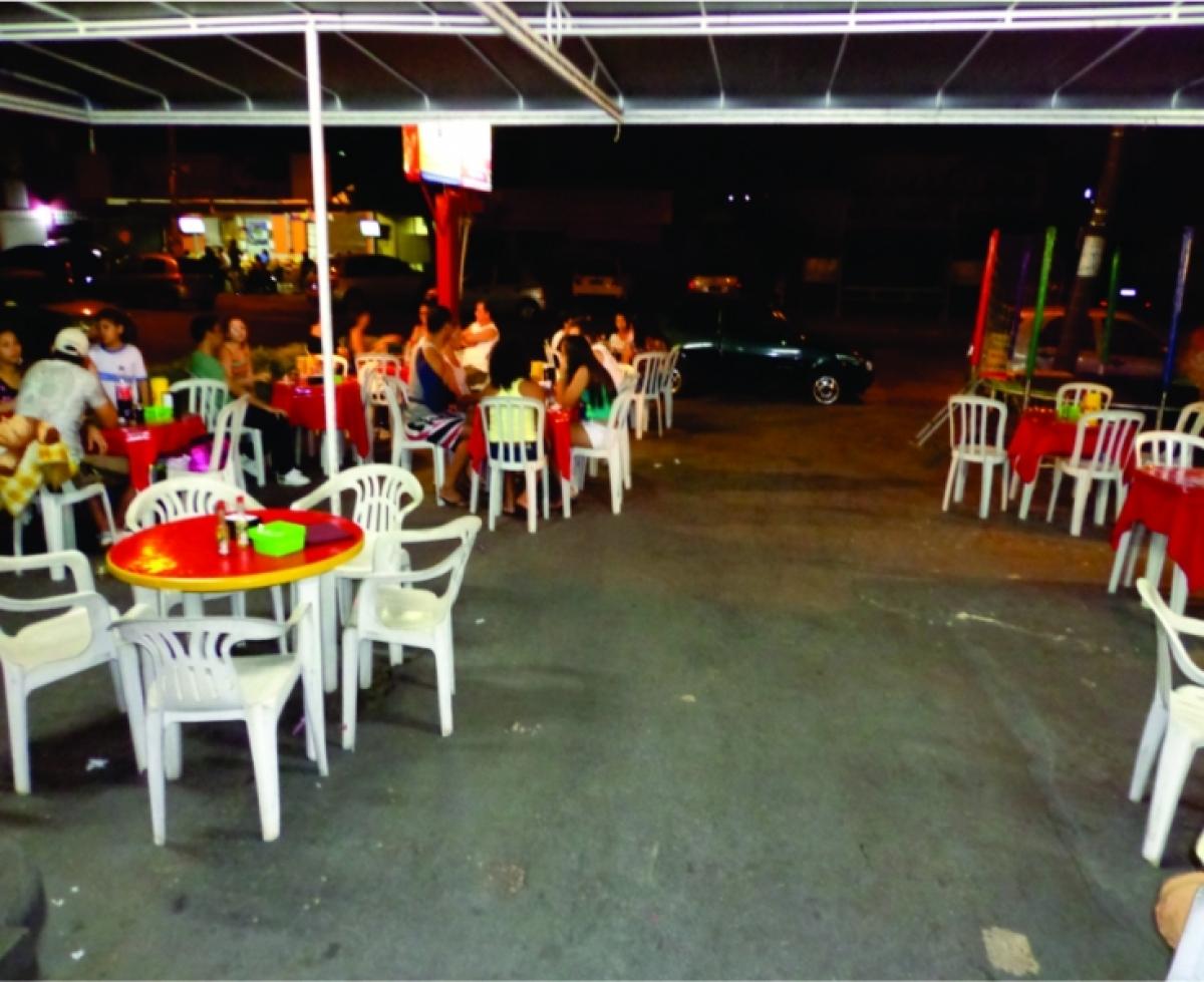 Sorveteria, Lan House, Lanchonete, Galeteria e Bar com cozinha completa