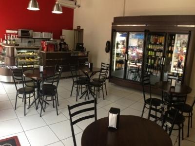 Vendo mobiliário completo para cafeteria