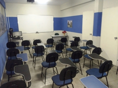 Excelente Escola de Cursos de Inglês, Informática e Profissionalizantes