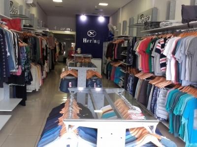 Linda loja varejo qualificado da Hering