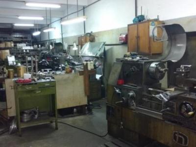 Fábrica de Máquinas para industrias Cosméticas, farmacêuticas, químicas e alimenticias