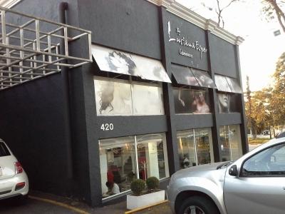 Vendo Studio de Beleza conceituado em Noivas, com excelente procura.