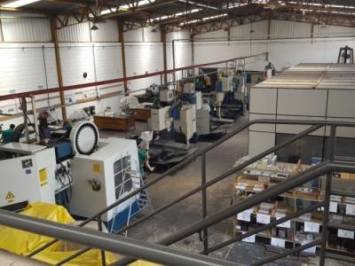 Indústria de ferramentaria e usinagem completa
