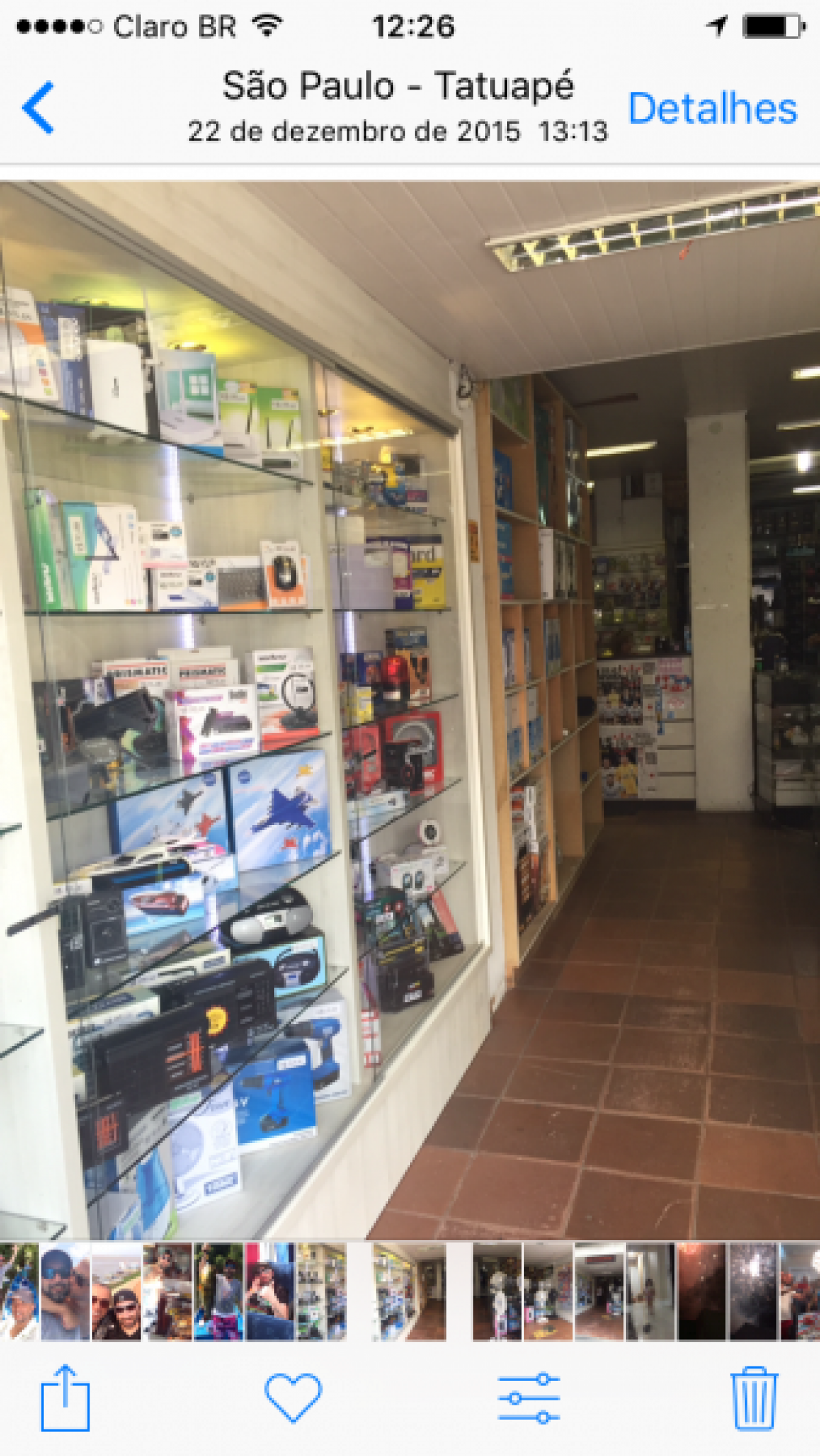 Vendo duas lojas montadas no mesmo ponto a mais de vinte anos